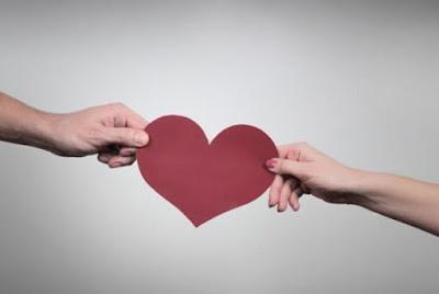 Mencintai dan Membenci