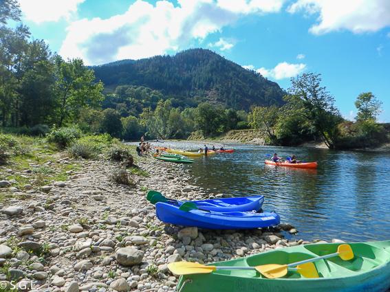 Descenso del Sella. Excursión en canoa.