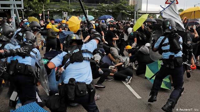 Cabut Status Khusus Hong Kong, China Ingatkan AS
