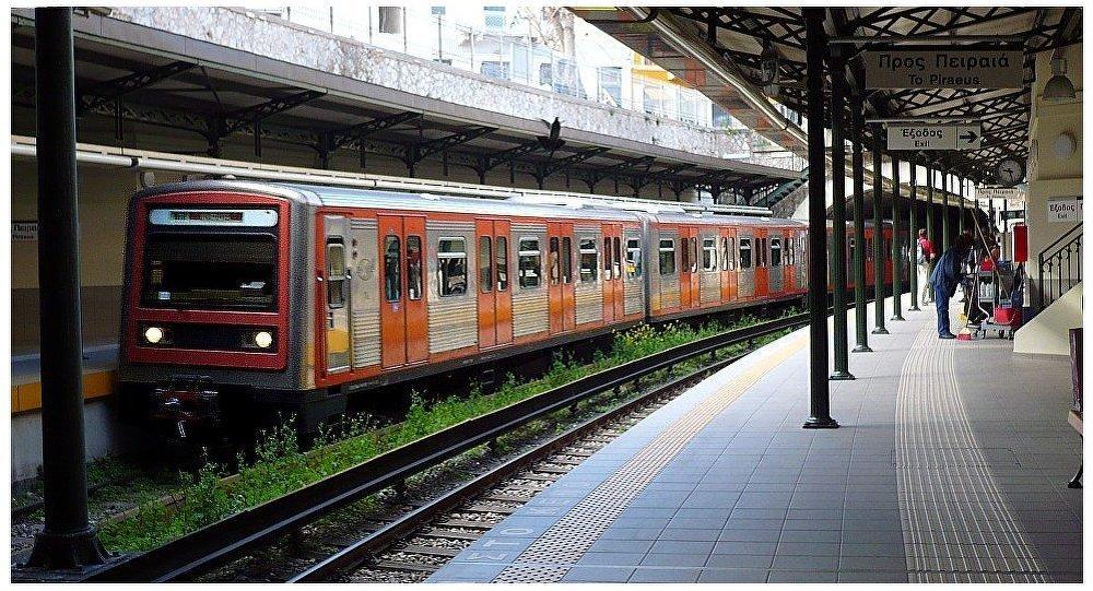 Άνδρας μαχαιρώθηκε μέσα στο σταθμό του μετρό στο Μοναστηράκι