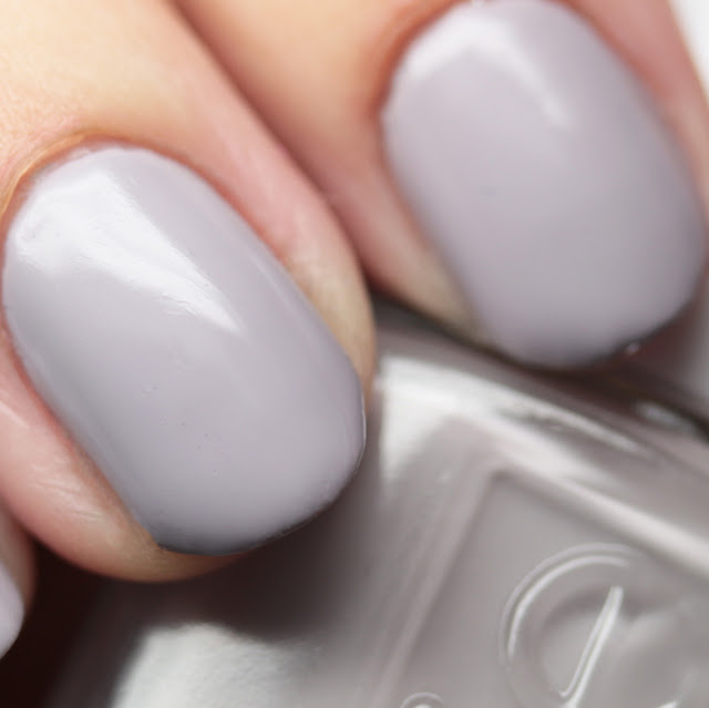 Essie 1125 Without a Stitch