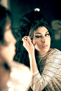 chronicles of a sweet tooth style icon amy winehouse. Black Bedroom Furniture Sets. Home Design Ideas