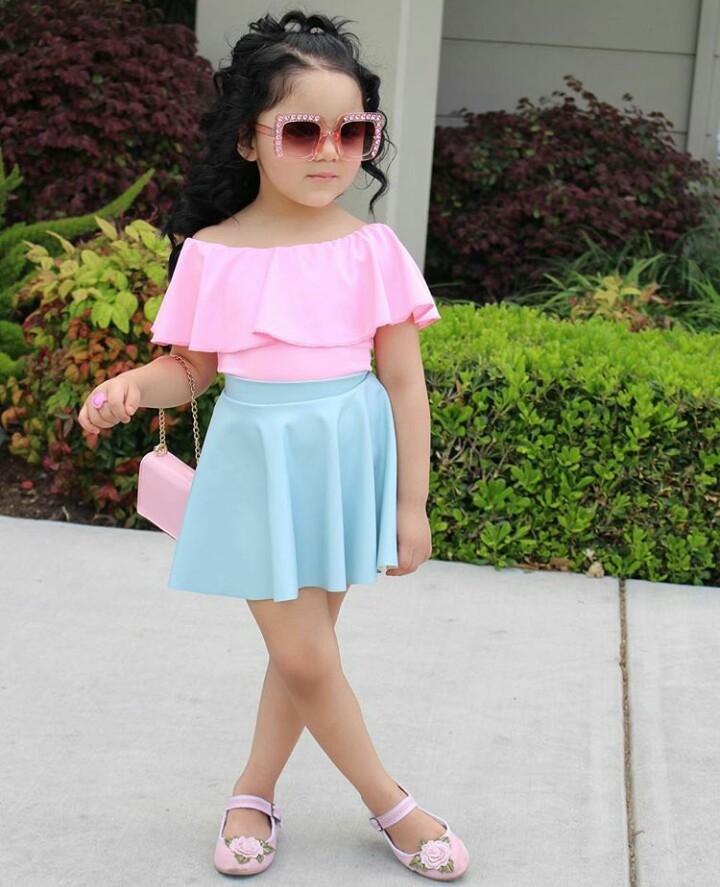 1b4805fcd صور ملابس أطفال 2019 مواكبة لألوان الموضة