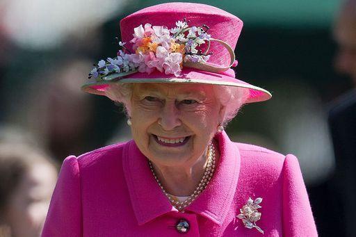 Rita guandalini regine di stile e nobili demode 39 for Quanto costa la corona della regina elisabetta