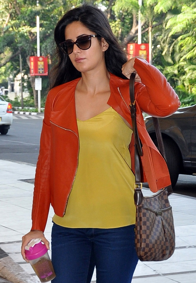 Katrina Kaif Hot Without Makeup Face With Glass Images In Yellow Top