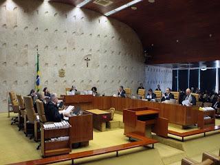 Ministros do STF aprovam aumento do próprio salário