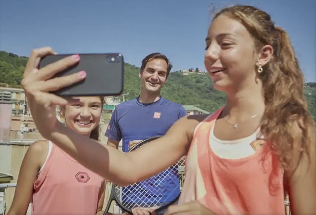 Tennis Player Roger Federer Surprised the Sensational Roof Top Tennis Players
