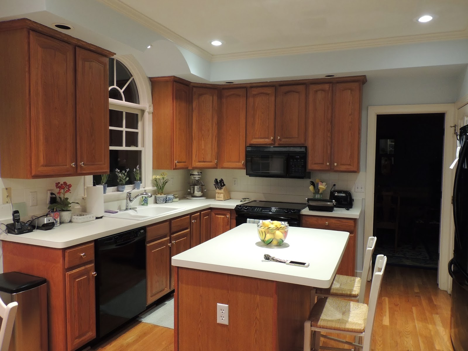 how much to paint kitchen cabinets how much does it cost to paint kitchen cabinets 16745