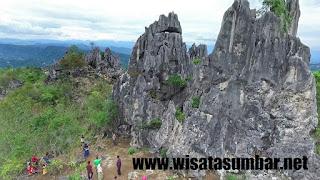 Objek Wisata Alam Puncak Batu Runciang di Silungkang Kota Sawahlunto