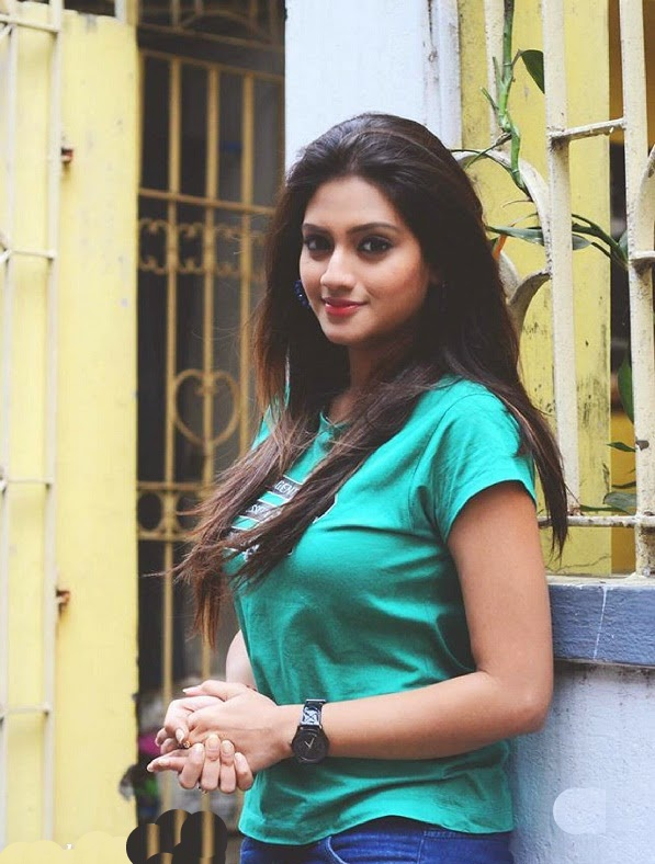 Nusrat Jahan Hot Photos 15