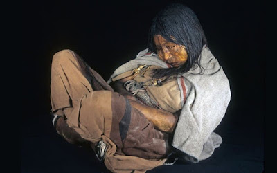 Remains of a girl who had been sacrificed in Argentina aprox 500 years ago