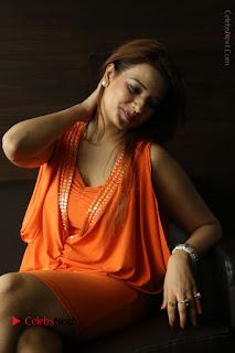 Actress Saloni Aswani Pos in Short Dress at Meelo Evaru Koteeswarudu Movie Interview  0201.JPG