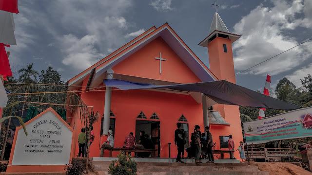 Peresmian Gereja Katolik Stasi Sungai Pulau