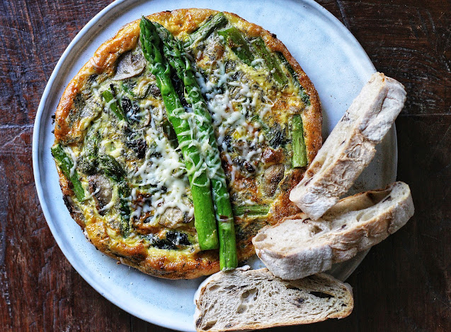Asparagus Frittata with Spinach and Mushrooms