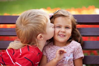 Çocuklar-hot-kiss-duvar-resim-toplama-çocukluk-love