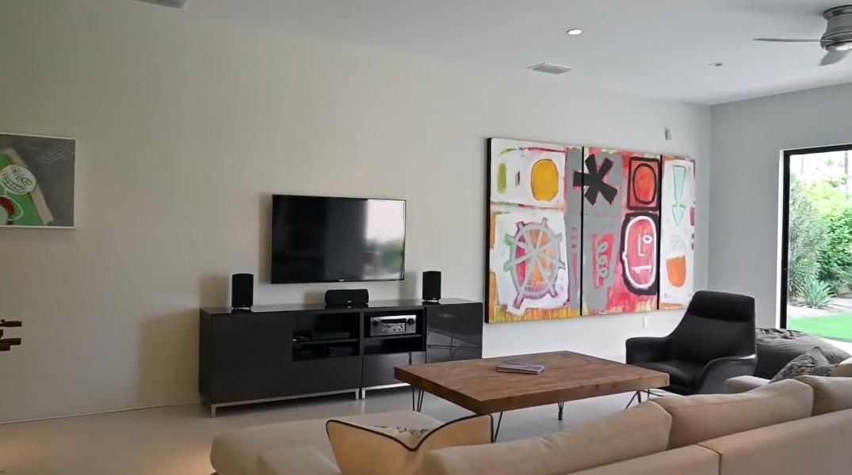 31 Photos vs. Tour 75300 Skylark Trail, Indian Wells, CA Luxury Home Interior Design
