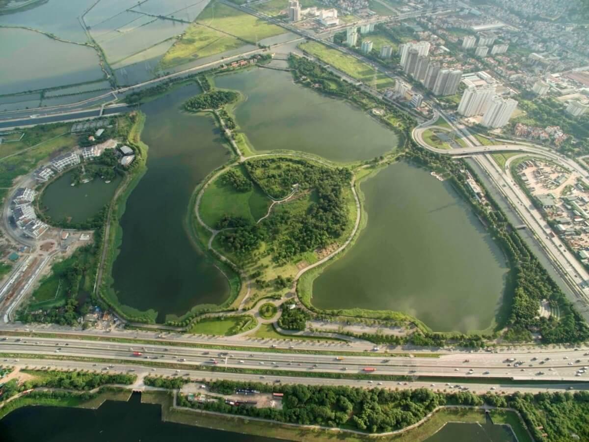 Dự án nằm sát hồ và công viên Yên Sở.