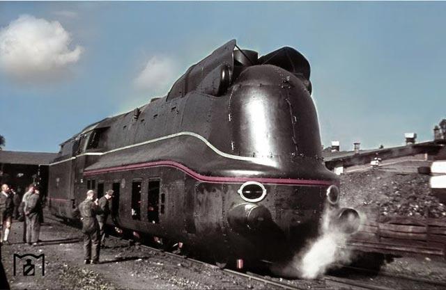 German train worldwartwo.filminspector.com