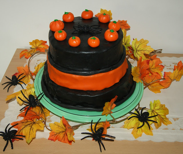 halloween torte monis paradise. Black Bedroom Furniture Sets. Home Design Ideas