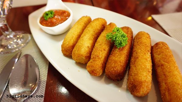 Al Dente Ristorante Italiano - Iloilo restaurant - cheese sticks