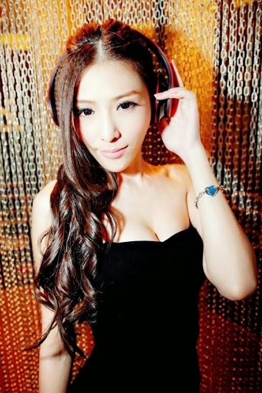 Taiwan Sexy Girl : Yoyo Xu Xiangting - 888 Taiwan Girl
