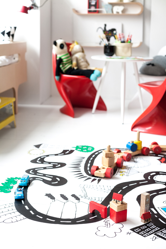 Chispum floor sticker at Rafa-kids creative corner for toddlers