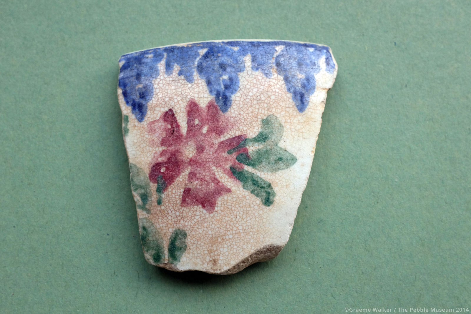 White Ceramic with Blue, Red and Green Motif © Graeme Walker / The Pebble Museum 2019