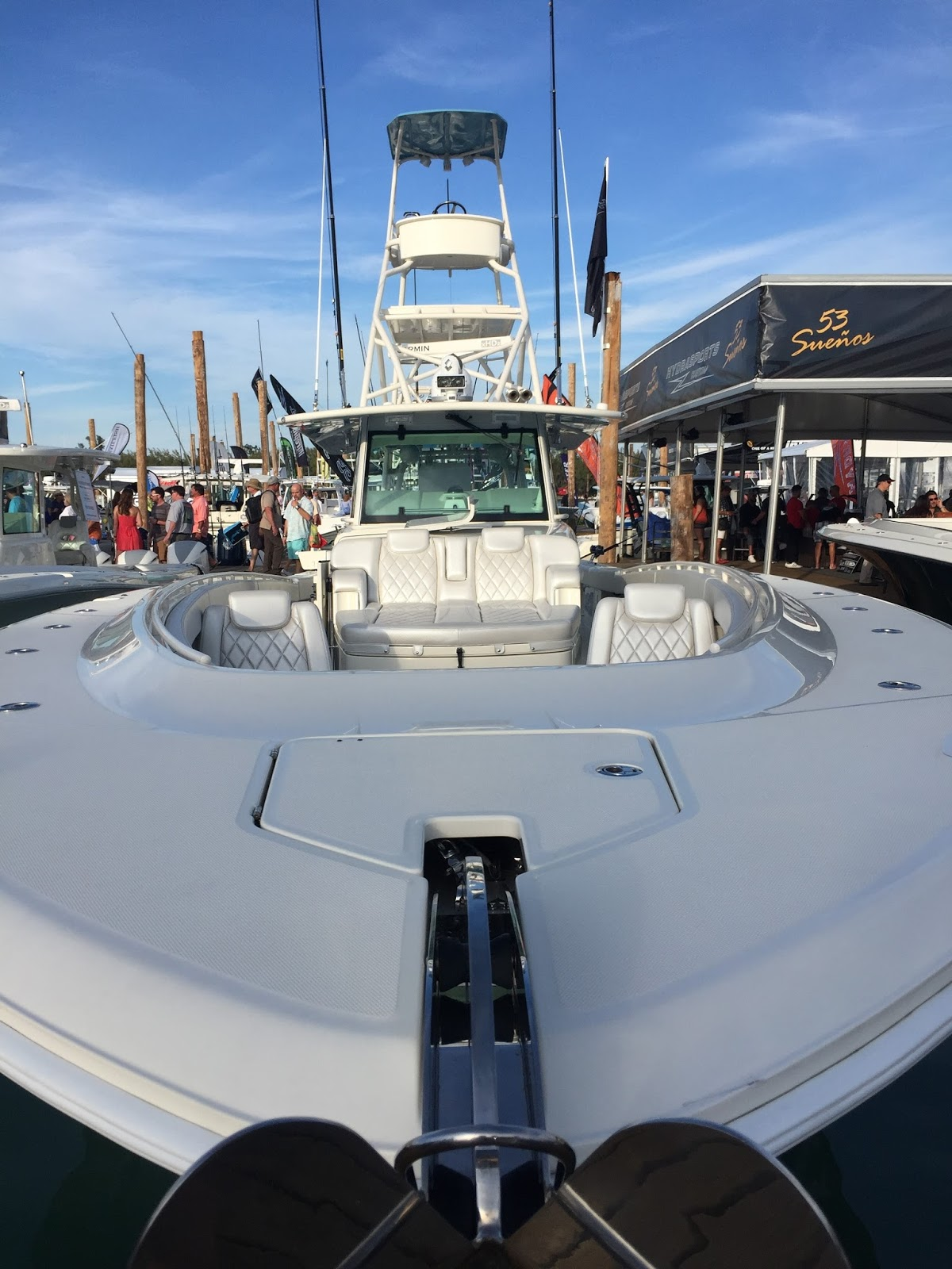Capt 39 n hook miami boat show - Miami boat show ...