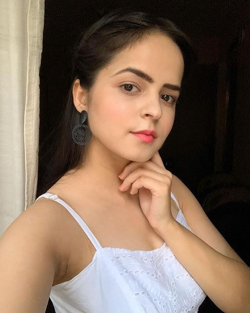 Palak Sidhwani Photos