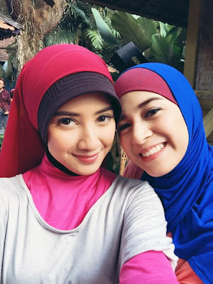 memang ketika ini sedang menjadi tren di dalam masyarakat 5 Model Hijab Ala Nina Zatulini Simpel