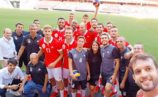 A selfie do Voleibol do Benfica no Estádio da Luz