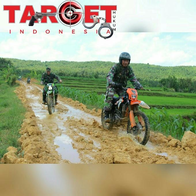 Dandim 0718 Pati Trabas Dan Turun Langsung Di Jalur Rabat Beton TMMD Reguler 101 2018 di Desa Godo Kec. Winong