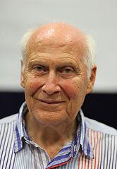 Bert Hellinger (imagen de Wikimedia Commons)