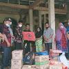 Sekda Asraf Serahkan Bantuan untuk Korban Kebakaran di Lolo Hilir