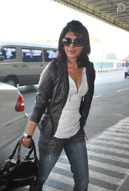 hot sexy photos of priyanka chopra