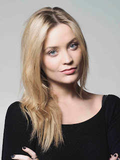 LAURA WHITMORE to star in UK tour of Not Dead Enough