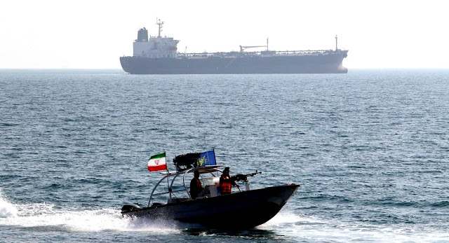 Image Attribute: A file photo of IRGC Navy patrol boat in Strait of Hormuz / Source: IRNA
