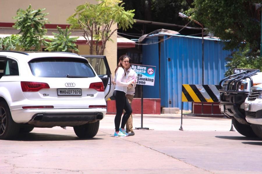 Kareena Kapoor and Amrita Arora Spotted at Gym