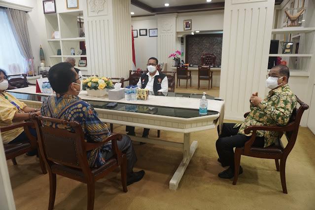 Richard Louhenapessy Sebut RRI Membangun Komunikasi Sosial Positif dan Konstruktif di Ambon.lelemuku.com.jpg