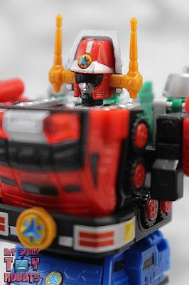 Super Mini-Pla Victory Robo 01