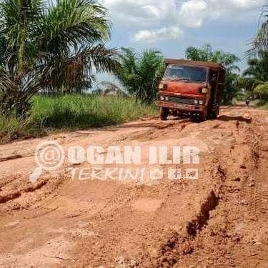 Rusak Parah dan Banjir, Jalan Desa Lorok dan Pulau Kabau Putus