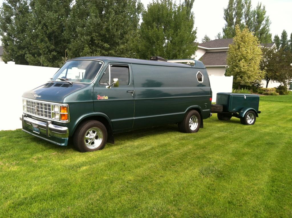 THE EVIL HIPPIE: Dodge Custom Vans For Sale
