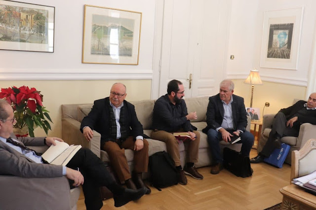 """Συνάντηση του περιφερειάρχη Πελοποννήσου με εκπροσώπους της Agribator για την """"ευφυή γεωργία"""""""