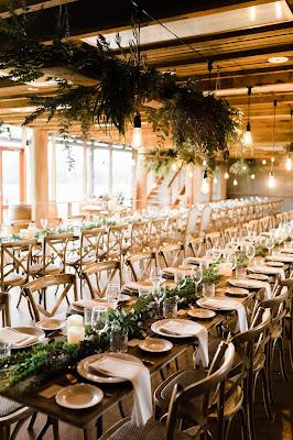 Mesas preparadas para una boda