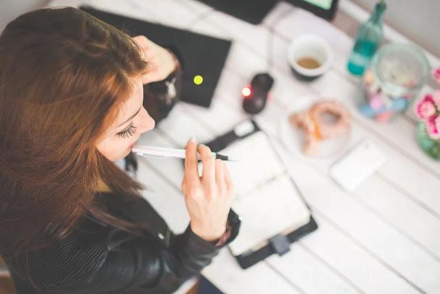Doświadczenie zawodowe lub zdobywanie pieniędzy: co nas bardziej motywuje?