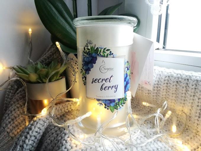 Idealny prezent dla kobiety - świeca zapachowa z ukrytą biżuterią Surprise Candle