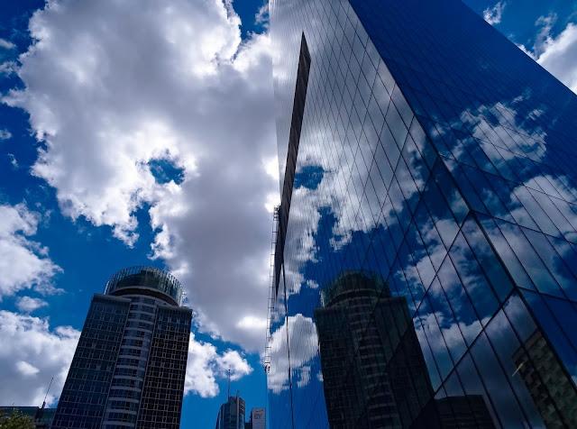 szklany biurowiec, wieżowiec, warszawa