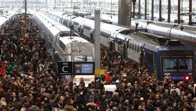 Atenționare de călătorie! Greva din transporturile franceze continuă