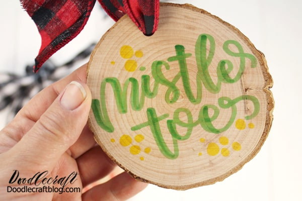 See how the markers don't bleed on the fibers of the wood slice!? I love these markers!
