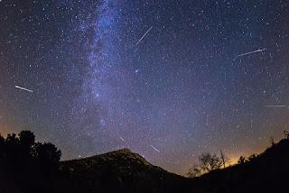 Perseid Meteor Shower – উল্কাঝর্না